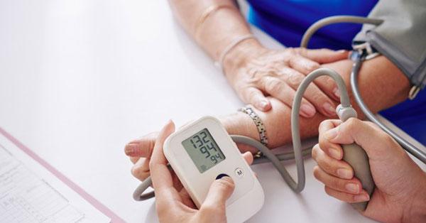Vérnyomás-mérés.
